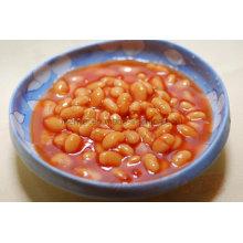 Frijoles enlatados enlatados en salsa de tomate