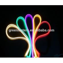 Luces de tira de neón flexibles del RGB LED de la CA 110-220V, 120 LED / M, luz impermeable de la cuerda de 2835 SMD LED
