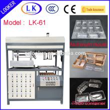 Machine de fabrication de récipients en plastique CE