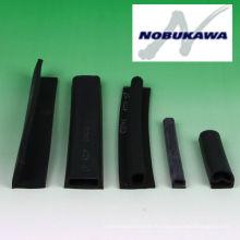 Экструдированные резиновые и губка изготовлен из CR, EPMD, ЦСМ, бутадиен-нитрильный каучук, твердый каучук. Изготовленный Nobukawa. Сделано в Японии (экструзия)