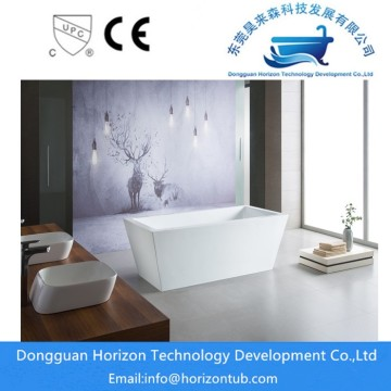 Fiberglass freestanding bath tub