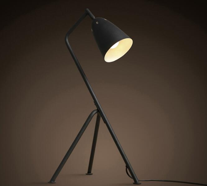 painting tripod table lamp