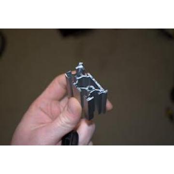 Perfil de alumínio da extrusão 016