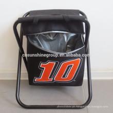 Dobrável, cadeira com saco térmico para caminhadas de dobradura.