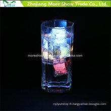 Capteur d'eau en gros clignotant LED Cubes de glace rougeoyante décoration buvable pour événement Party Wedding