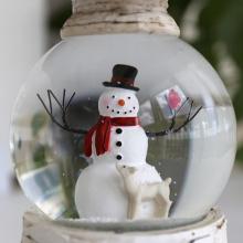 Wirbelnde Funkeln-Wasser-Weihnachtsschnee-Kugel