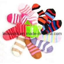 Women′s Romatic Stripe Cozy Socks (DL-BR-03)