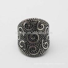 Acier inoxydable anneau antique en argent antique avec motif en relief