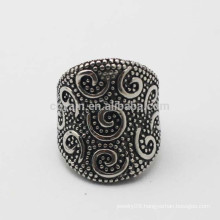 Stainless Steel Wide Antique Silver Vintage Ring With Embossed Pattern