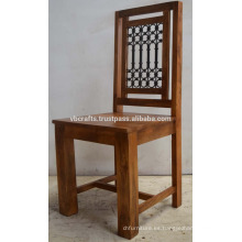 Sólido de madera de mango Jali silla de hierro