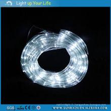 Éclairage de rue LED à l'extérieur