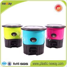 Reciclaje de basura de plástico coloreada