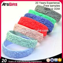 2017 Promotionnel logo en relief personnalisé silicone bracelet bande