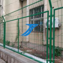 Cerca de fio soldada bilateral de alta qualidade do PVC