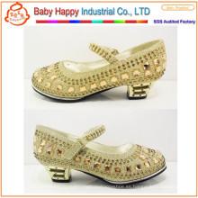 Zapatos del alto talón de los cequis para los niños y los cabritos