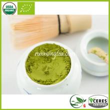 Poudre de thé vert instantanée et autre poudre de thé instantanée