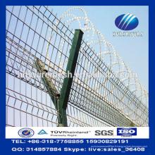 Clôture de sécurité de l'aéroport de Y Clôture de treillis soudé de fil barbelé de Concertina militaire clôturé de treillis
