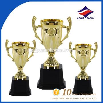 2017 Trofeo del nuevo trofeo plástico del nuevo diseño pequeño