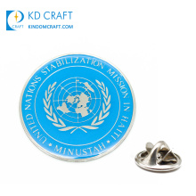Wholesale Custom Made Metal Logo Silver Plated Hard Enamel Resin Epoxy Pop United Nations Badge for Sale