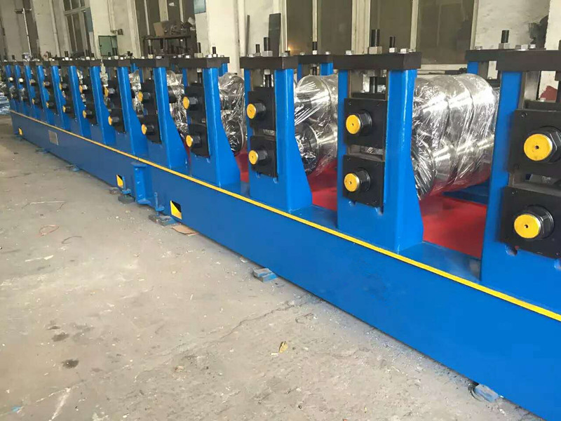 W Beam Highway Guardrail Safety Crash Barrier Machine