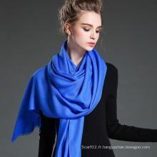 Foulard écharpe en laine à manches bleues