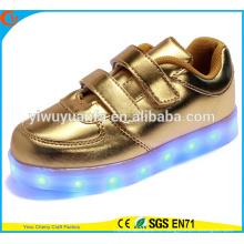 2016 горячий продавая свет мигает кроссовки свет вверх LED обувь