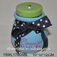 Caja de ahorro de dinero de cerámica con corbata