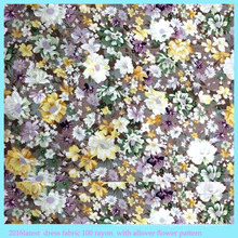 Tissu en rayonne de fleurs en coton synthétique