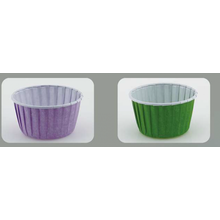 Roll edge baking cup