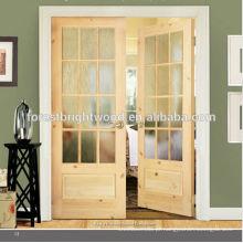 Knotty pinho com porta de madeira francesa duplo vidro fosco