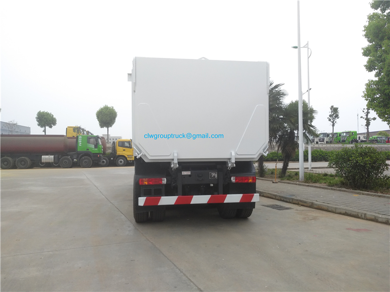 8x4 Dump Truck 4