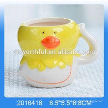 Decorative ceramic mousse cup with chicken shape for wholesale