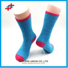 Kundenspezifisches Logo Helle Farbe warmer Winter Halbes-Samtdamen dickes gestricktes Terry glückliche Socke