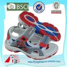 Monstruo nacional deporte zapatos con hombre araña