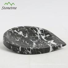 Plato de ensalada de mármol natural con forma de corazón