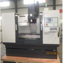 Centro de usinagem de máquinas de usinagem CNC Vmc7032A