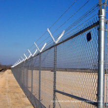 Hot sale 50*50mm aperture galvanized chain link fence with barbed wire on top