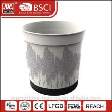 Vaso plástico de rotulagem no molde