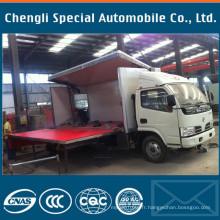 4 x 2 Dongfeng 4200mm longueur scène Mobile camion
