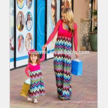 2017 Nouvelle mode plus siz famille correspondant vêtements à manches longues couleur rouge vague imprimé mère et fille robe pour vêtements décontractés