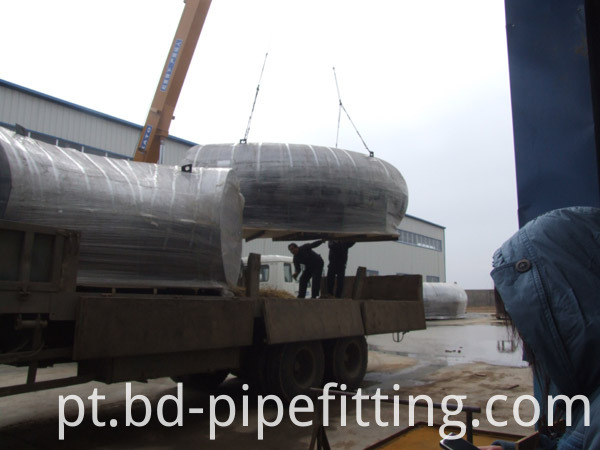 Alloy pipe fitting (98)