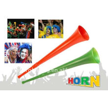 Cuerno de plástico vuvuzela para partido de futbol.