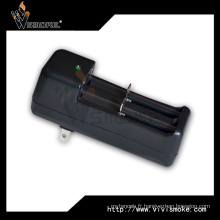 Chargeur multifonction 18650 Chargeur 3W / 7.3W / 8.4W (max.) 18650 Chargeur de batterie