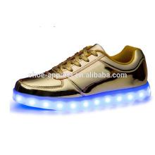 LED-Lichter der neuen Männer beschuht Turnschuh LED-Sportschuh