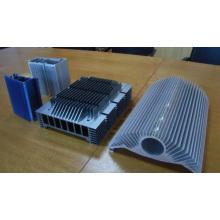 CNC-Bearbeitung von Aluminium-Kühlkörper in China