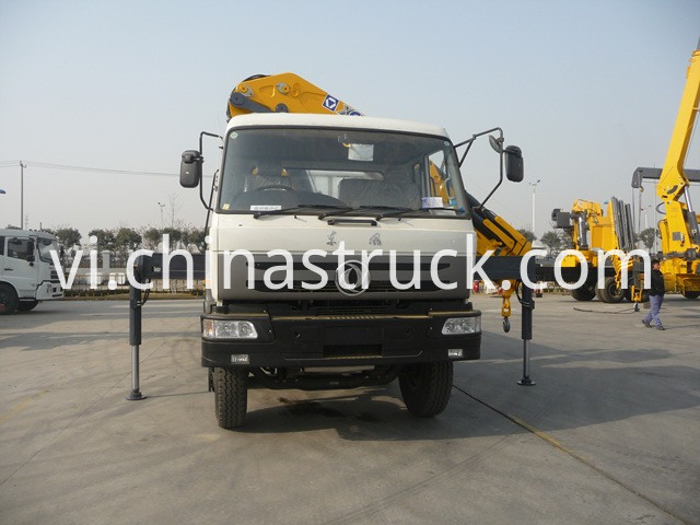 Lorry truck mounted kunckle crane