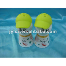 salt and pepper set with silicone cap