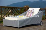 Outdoor Leisure Furniture PE Rattan Garden Chaise Lounge