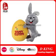 Brinquedo personalizado do coelhinho da Páscoa do luxuoso do bicho de pelúcia com ovo