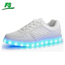 Neueste Fabrik machte 2016 hochwertige Unisex LED-Schuhe